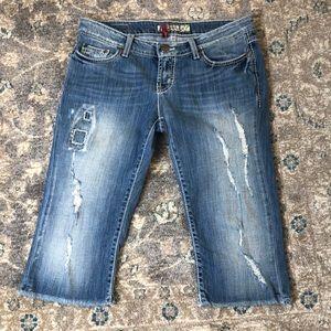 BKE Women's Capris Jeans With Frayed Hem Size 27